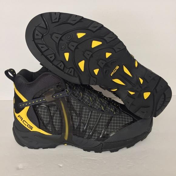 6d8775f7a620 Nike Air Zoom Tallac Lite OG Boots BlackYellow
